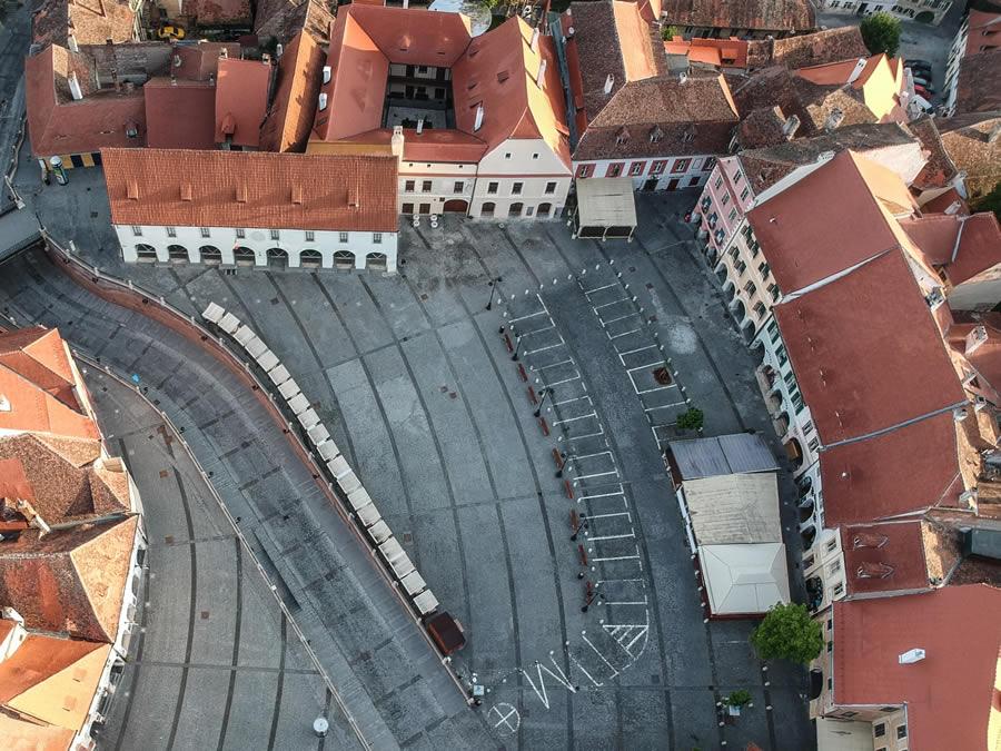 Zona pietonală a Sibiului se extinde în Piața Mică. Terasele din centru se pot extinde