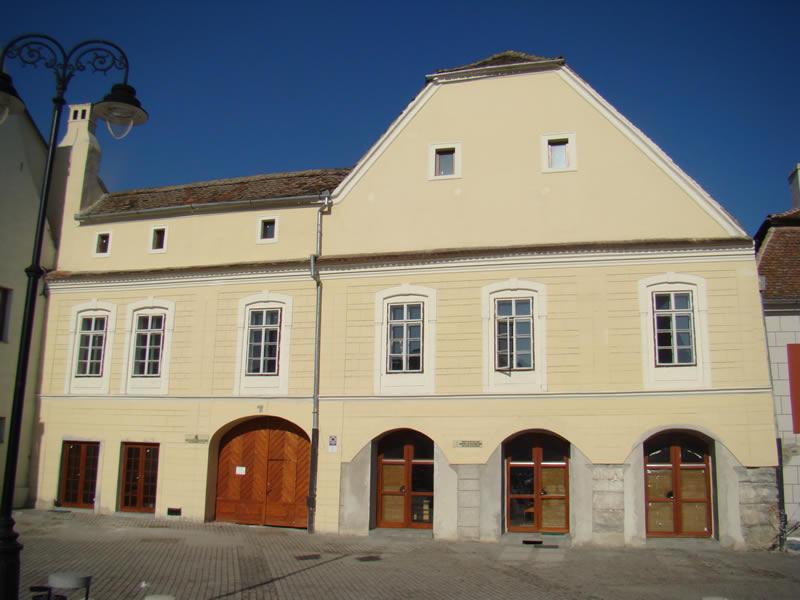 Serviciul de Administrare a Domeniului Public și Privat se mută în Piața Mică, la nr. 22