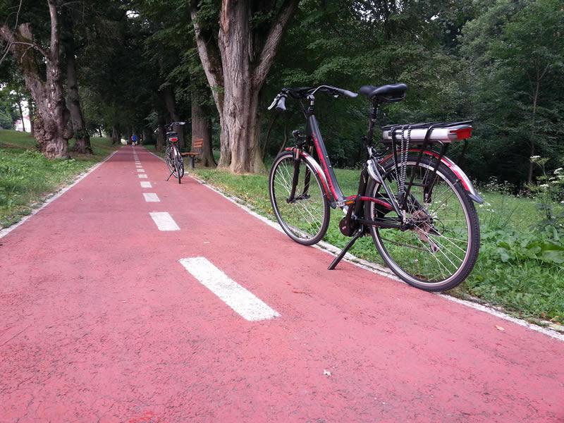 Două biciclete electrice pentru activitatea Serviciului de Administrare a Domeniului Public
