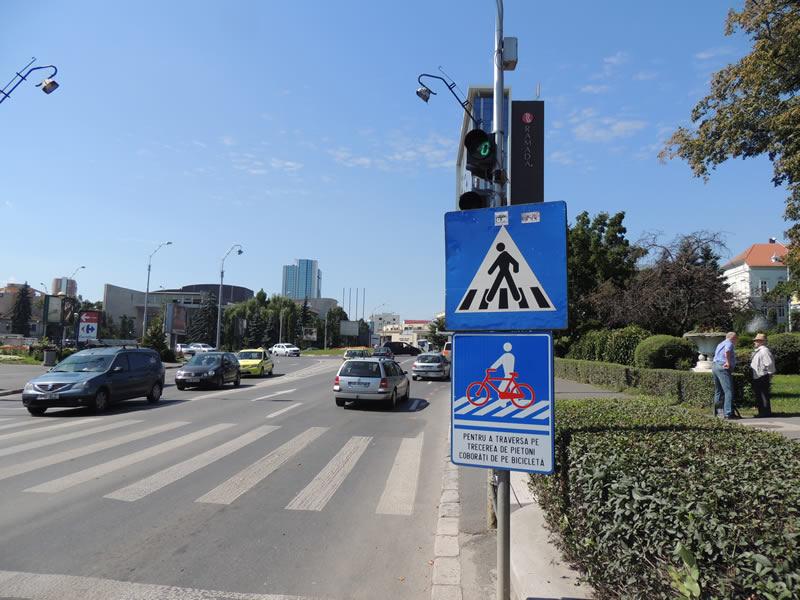 Noi indicatoare speciale pentru siguranţa bicicliştilor