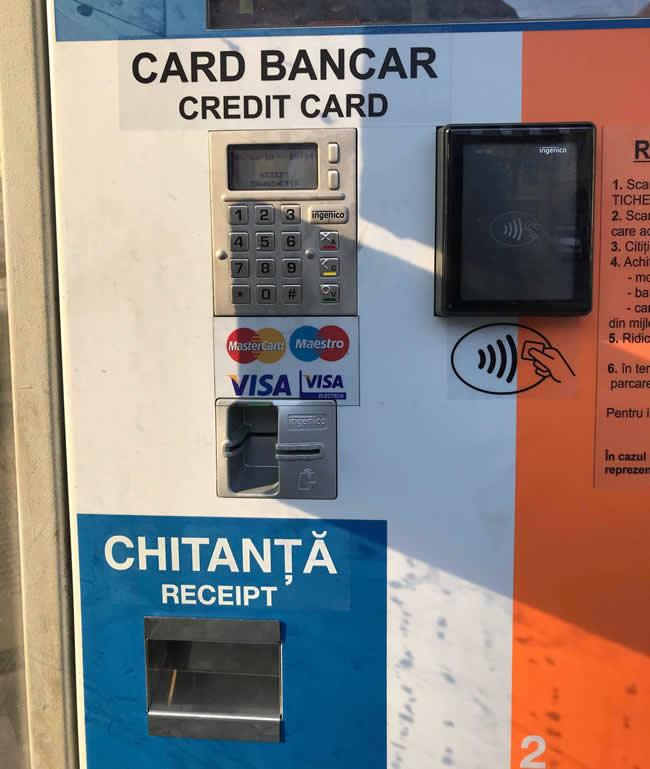 Automatele de plată din parcările Cazarma 90 și Piața Mică permit și plata cu cardul